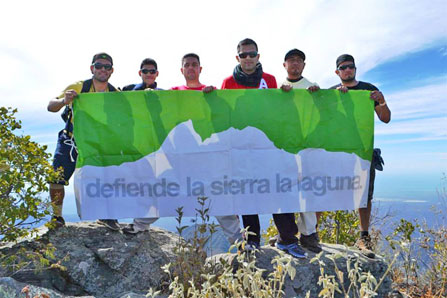 "Sign saying ""defend the Sierra la Laguna"""